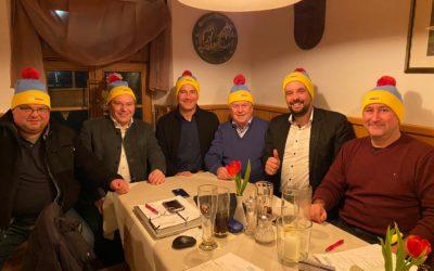 Kreisvorstand nach seiner öffentlichen Sitzung am 21.01.2020 in der Reindlschmiede mit den neuen FDP-Wahlkampfmützen