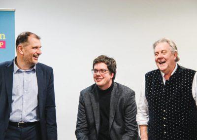 Während der Diskussionsveranstaltung, v.l.n.r.: Larry Terwey, Dr. Lukas Köhler, Albert Duin