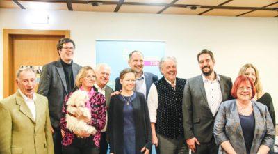 Gruppenfoto der Gäste und Kandidaten