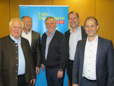 v.l.n.r.: Günther Fuhrmann (Kreisrat und Stadtrat), Albert Vöger (Erfinder von TerraCool), Albert Duin (MdL), Larry Terwey (Bürgermeister-Kandidat Geretsried), Peter Fuhrmann (Referent von TerraCool)