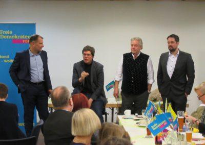 v.l.n.r.: Larry Terwey, Dr. Lukas Köhler, Albert Duin, Dr. Patrick Lechner